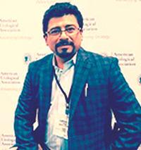 Dr. Edison Llamuca