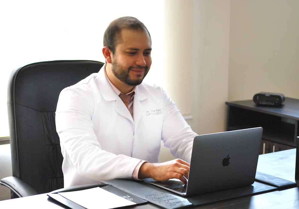 dr bravo cirujano vascular en riobamba ambato