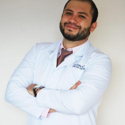 Dr. Cristian Bravo Yépez